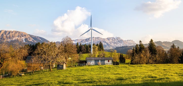 Which is Better, Solar or Wind Energy? - Solar Obviously!