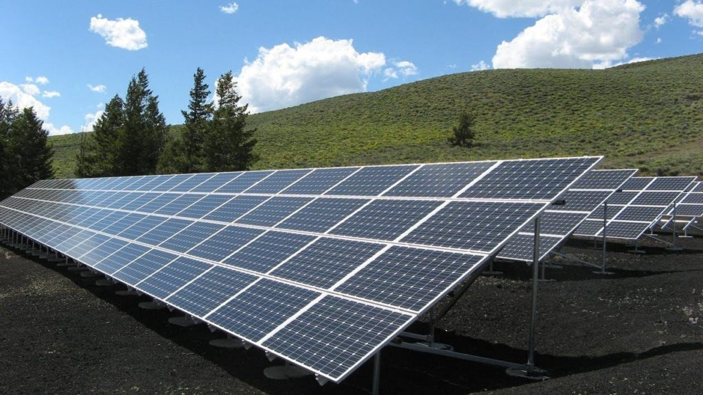 the-benefits-of-going-solar-in-2021